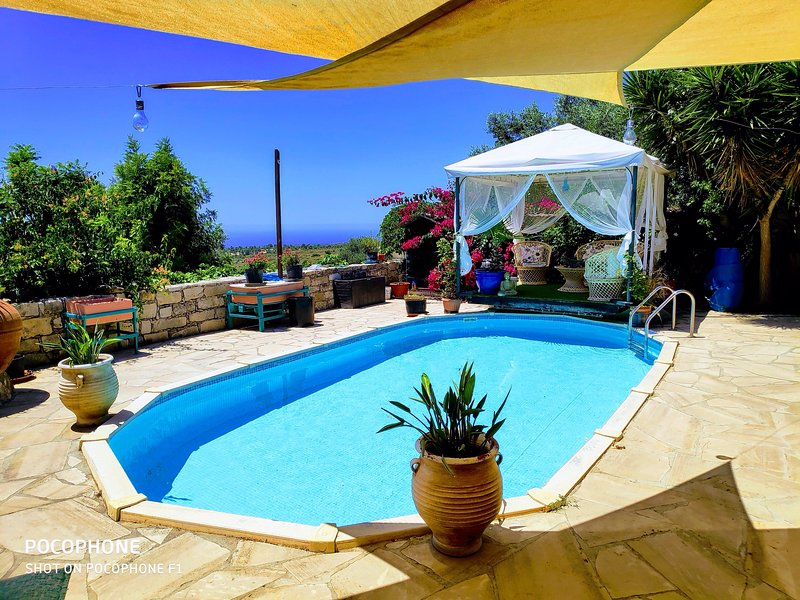 Audrey's Apartment, holiday rental in Lofou