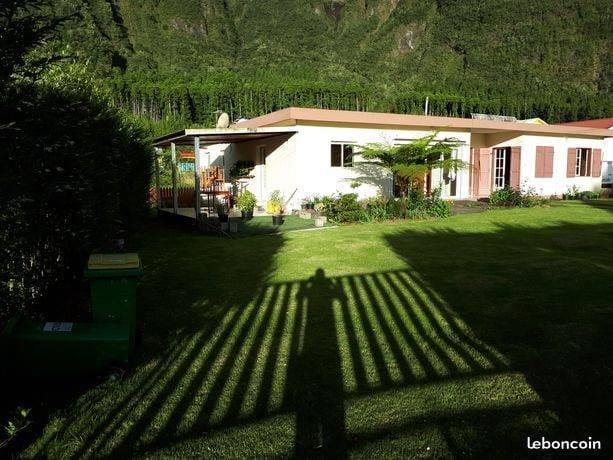 Amazing house with mountain view – semesterbostad i Cilaos