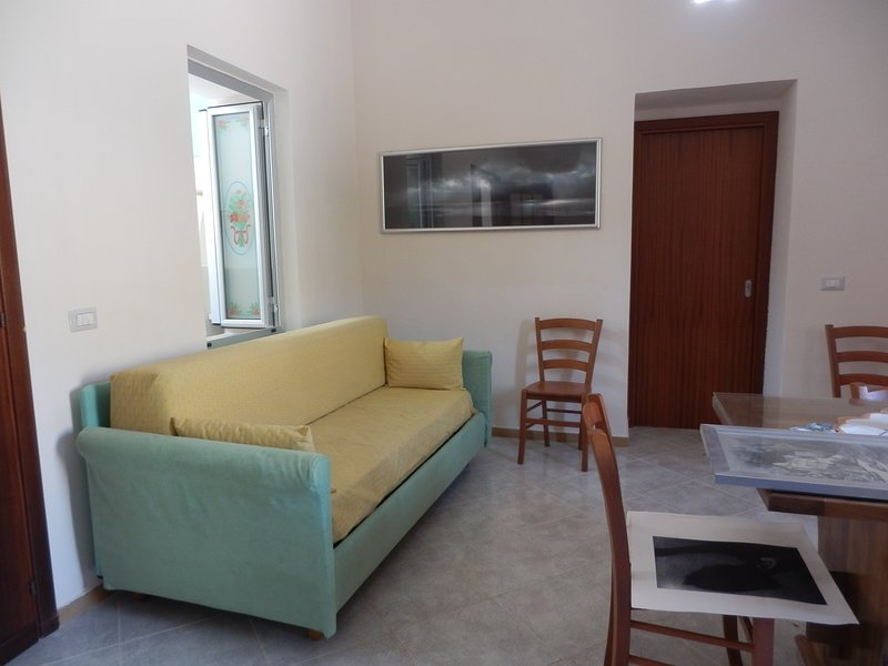 Nice studio with terrace, vakantiewoning in Tora e Piccilli