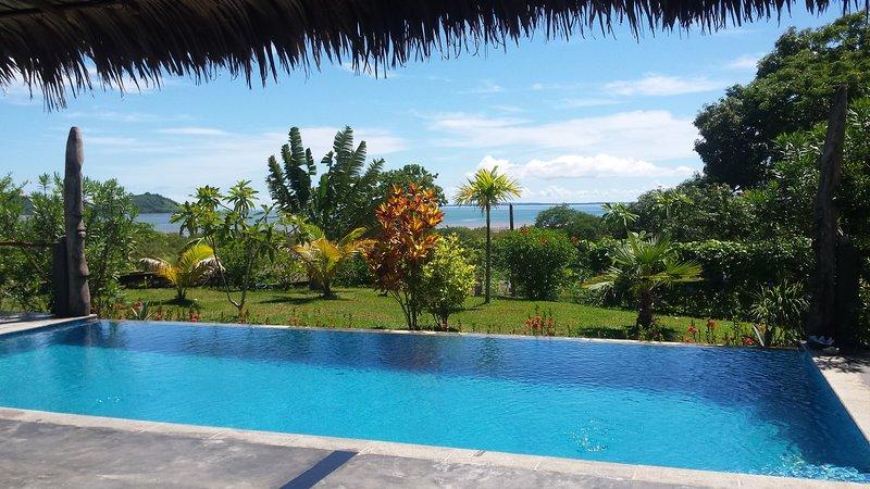a louer bungalow tout confort en bordure de LOKOBE, holiday rental in Ambanja