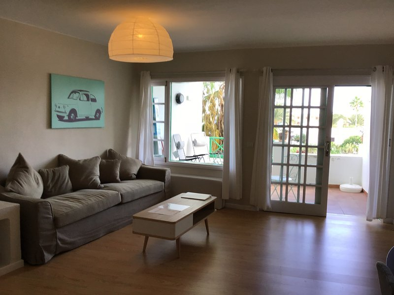 Casas Verde 33 beautifully renovated, modern apartment close to the beach, holiday rental in Costa Teguise