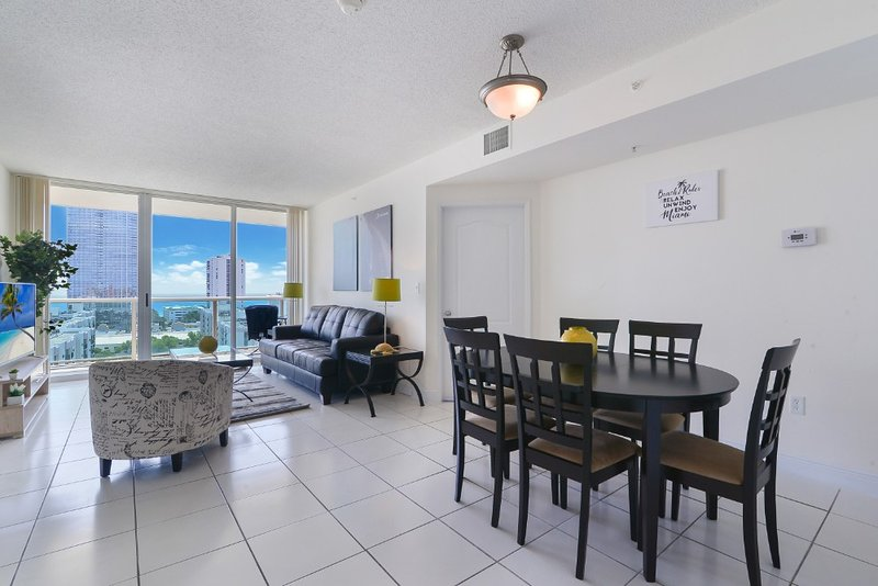 1BR Home-away Sunny Isles, holiday rental in Sunny Isles Beach