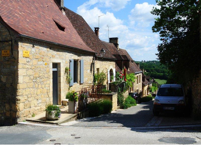 Maison de la Combe, a Charming 15th Century Stone Cottage, alquiler vacacional en Domme