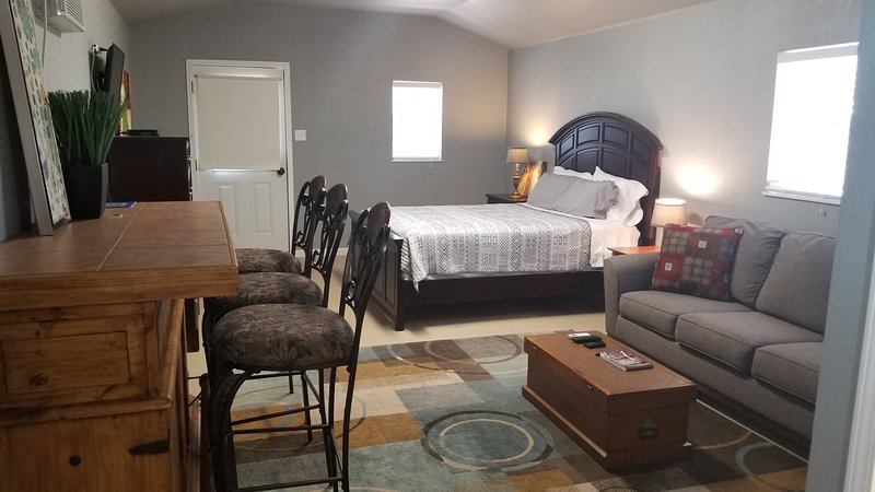 Comanche Creek Cabins #2, holiday rental in Pontotoc