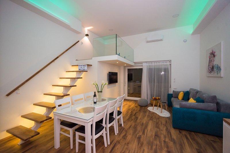 Luxury apartment with heated pool KLIS, vacation rental in Klis