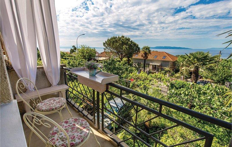 Beautiful home in Rijeka with WiFi and 3 Bedrooms (CKO627), alquiler de vacaciones en Marinići