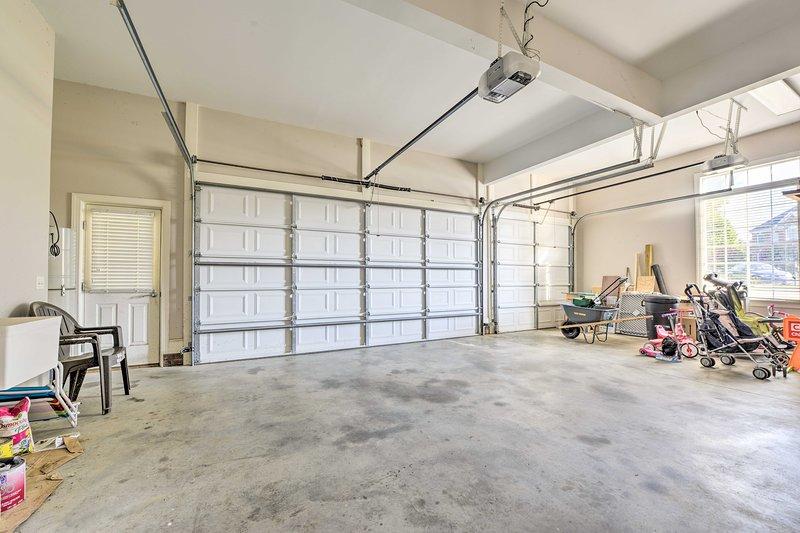 Estacione un vehículo en el garaje.