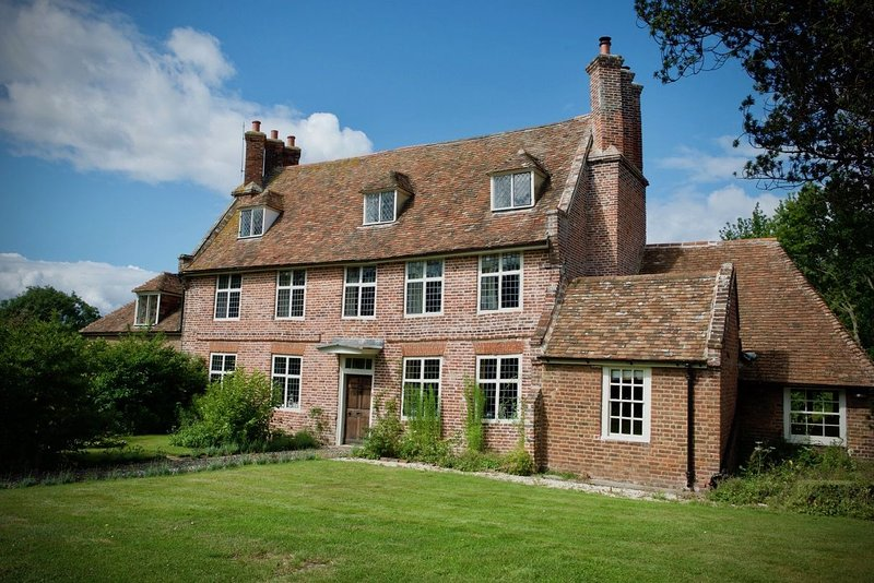 Moat Farm House - An exquisite Tudor Farmhouse, between Sandwich and Canterbury,, vacation rental in Stourmouth