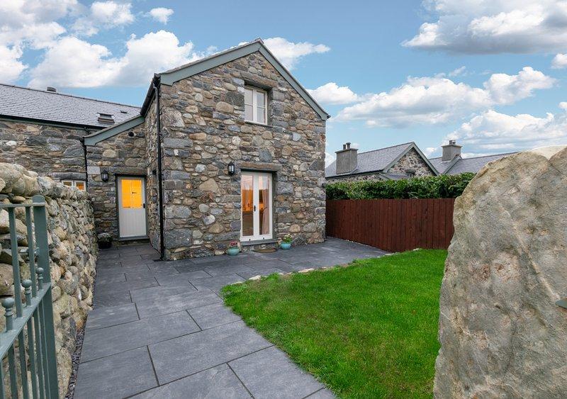Cae Mawr, holiday rental in Llanbedr-y-Cennin