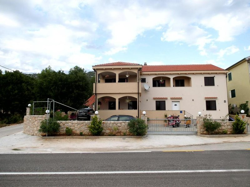 One bedroom apartment Tribanj Šibuljina, Paklenica (A-17818-a), location de vacances à Tribanj