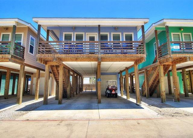 OV37: Foosball Table, Shared Pool, Near Beach, Free Golf Cart 1st 24 Hrs, location de vacances à Port Aransas