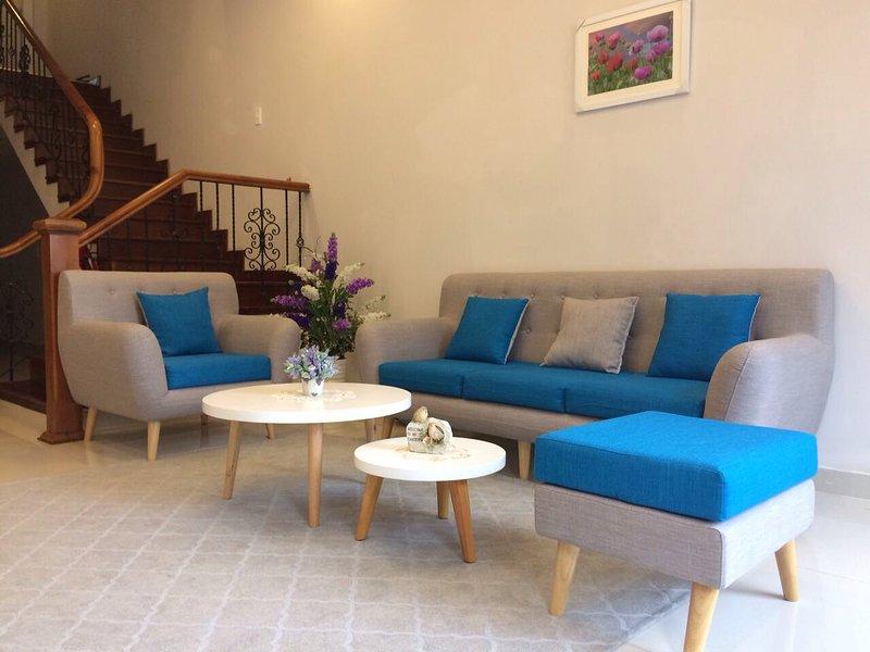 JOLIE HOUSE Villa- DOUBLE ROOM-GREAT QUIET GETAWAY, casa vacanza a Da Lat