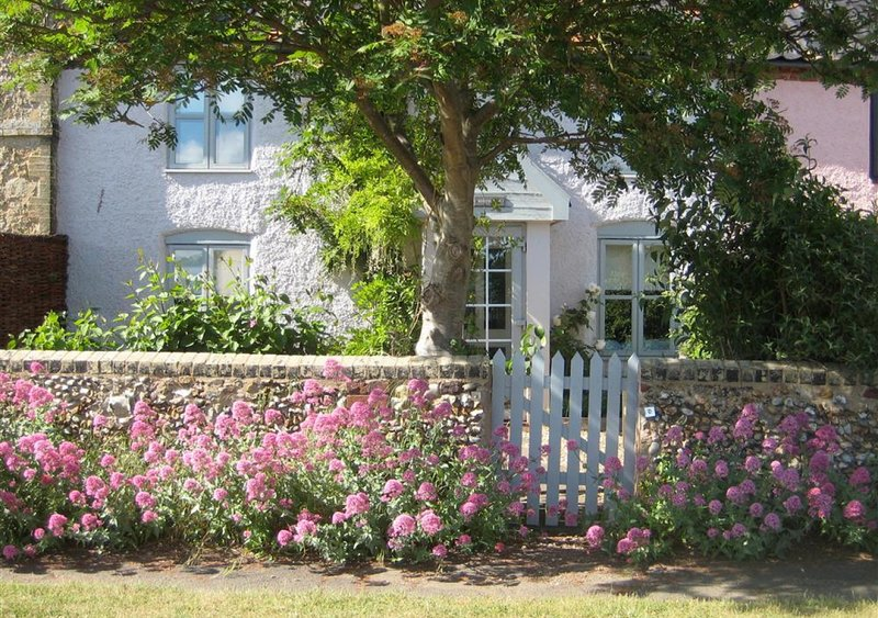 Box Cottage, holiday rental in Blaxhall