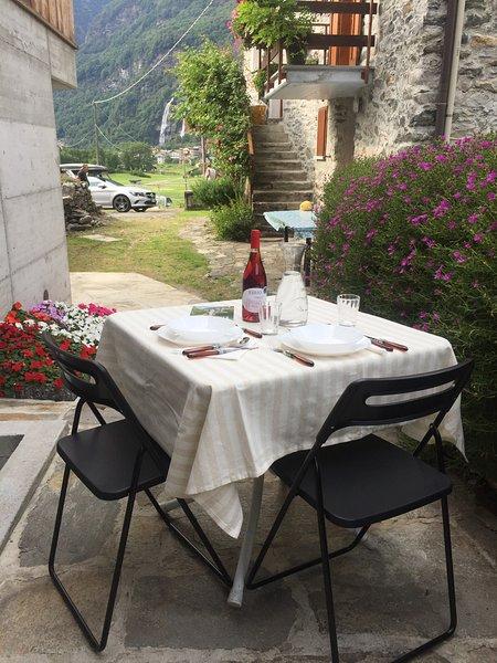 Beautiful studio with mountain view, vacation rental in Borgonuovo