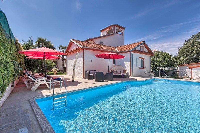 Villa Little Castle, holiday rental in Kukci