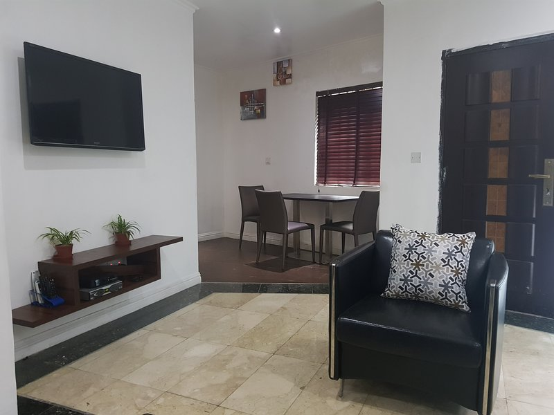 2 Bedroom Detached Bungalow, Ikeja, Lagos, Nigeria, holiday rental in Lagos State