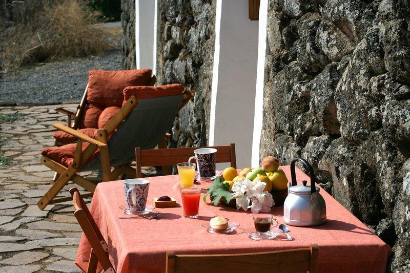 Dammuso Bonsulton Casa Vacanze – semesterbostad i Pantelleria Town