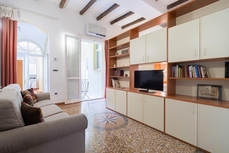 Santo Stefano Apartments- Terrazza, holiday rental in Rastignano