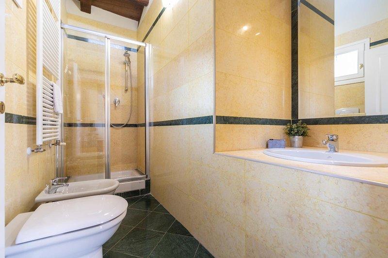 Santo Stefano Apartments-Attico con Terrazza, vacation rental in Rastignano