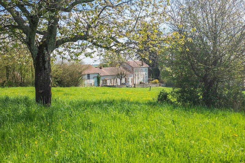 Gîte rural - Maison Le Garochet, location de vacances à Gueugnon