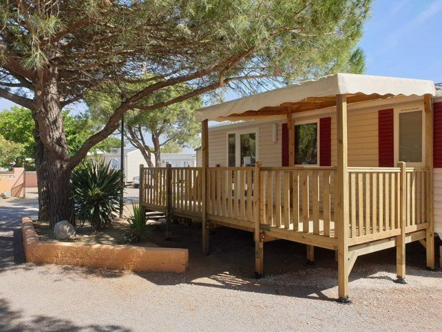 Beautiful bungalow with pool access, holiday rental in Saint-Nazaire