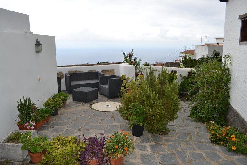 Beautiful studio in Genovés & Wifi, holiday rental in El Tanque