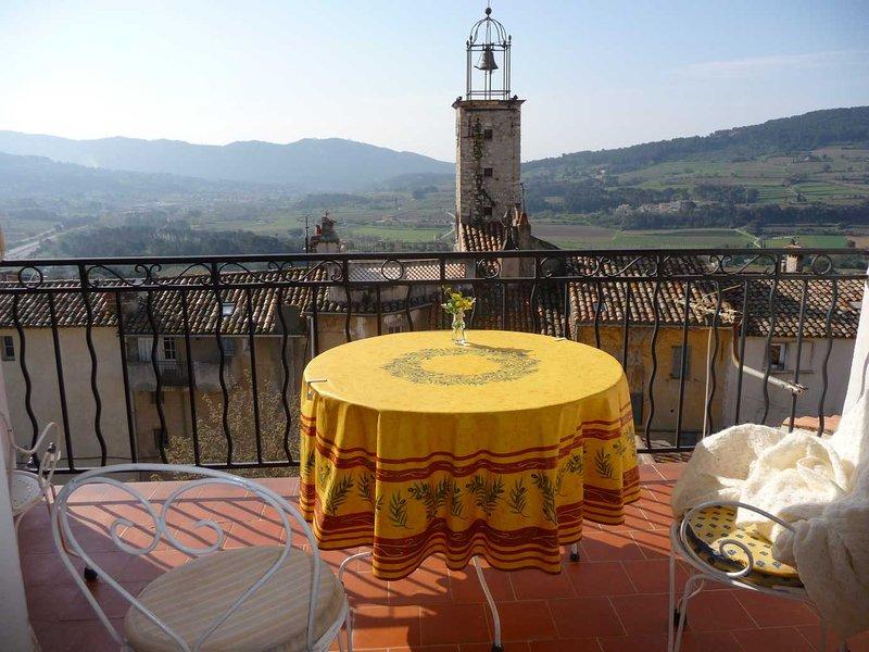 10 min des plages, beau duplex 60m² avec terrasse, holiday rental in La Cadiere d'Azur