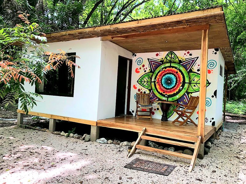 The Trip House, a Tropical Paradise by the Sea, holiday rental in Mal Pais