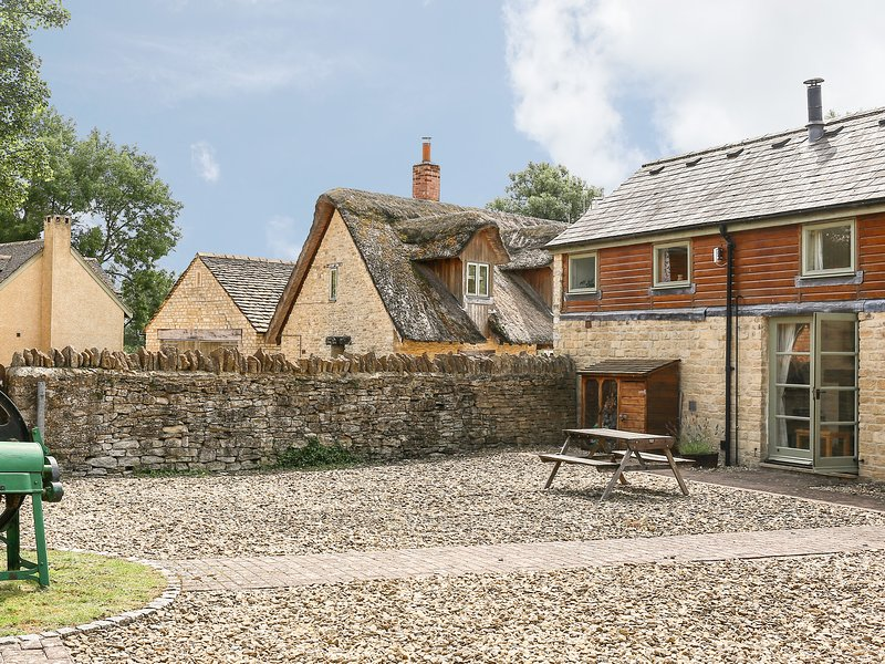 Mill View, Cotswold Water Park, holiday rental in Cirencester