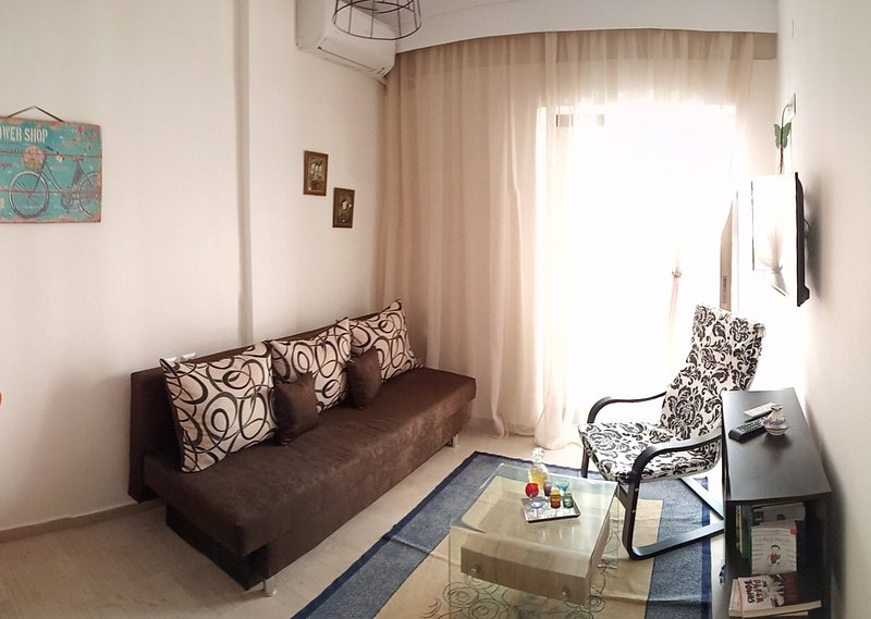 TravELL SUITE #01-Superior  Apartment-Parking,Family Friendly, French Institute, holiday rental in Triandria