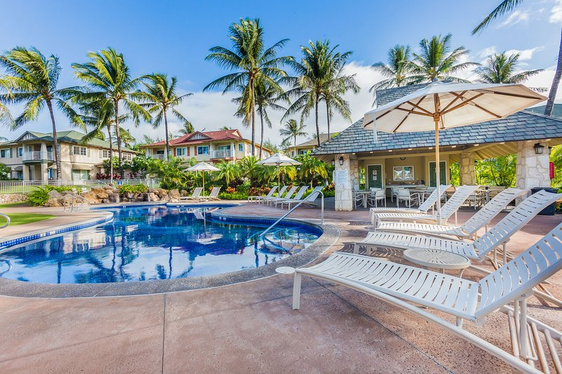 Pool and chairs in the Ko Olina Resort.