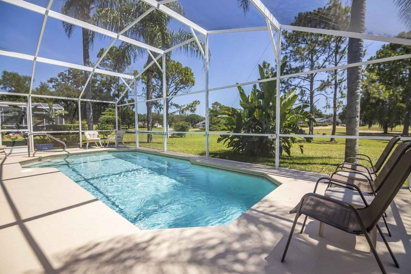 Private Pool Home Conservation View, holiday rental in Auburndale