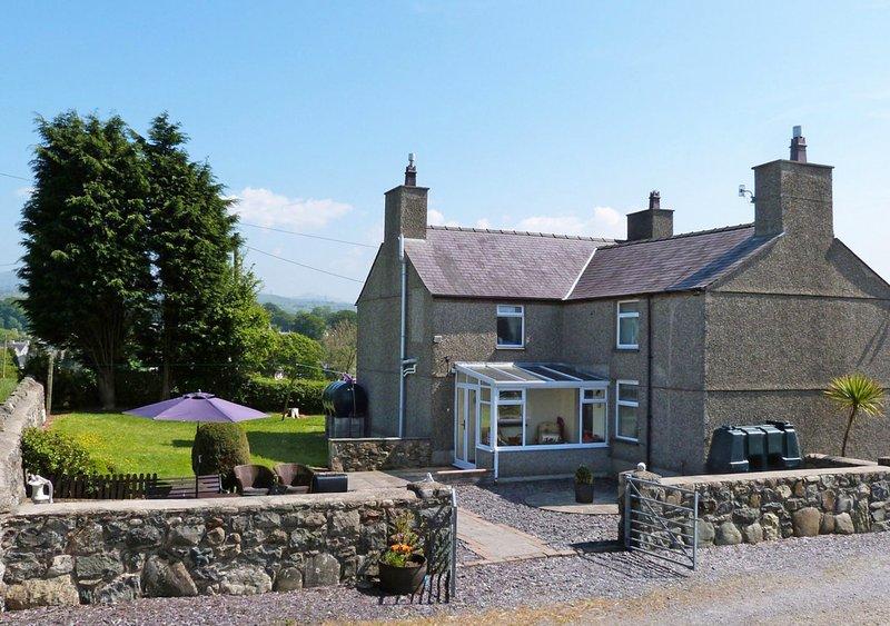 Ffermdy Caernarfon, location de vacances à Llanfaglan