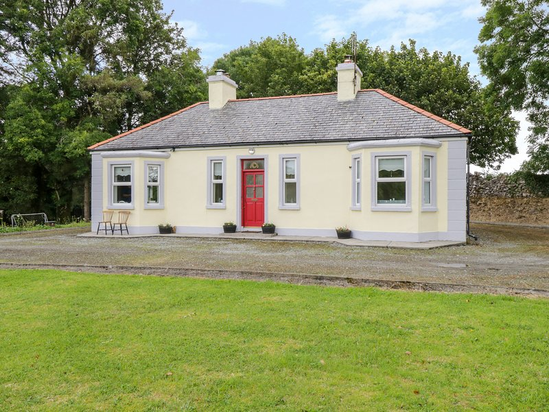 Birch Tree Cottage, Westport, County Mayo, holiday rental in Ballyvary