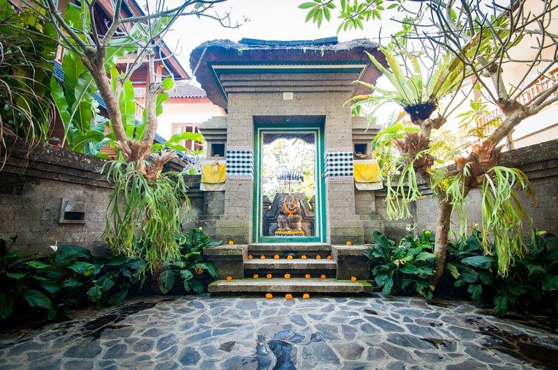 Flamboyant villa ubud, holiday rental in Singakerta
