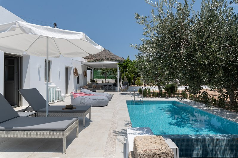 Mami's House with Private Pool, holiday rental in Pefkos