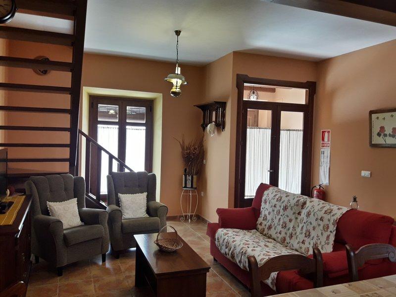 ALOJAMIENTO TURISTICO 'LAS TINAJAS GRANDES', location de vacances à Galaroza