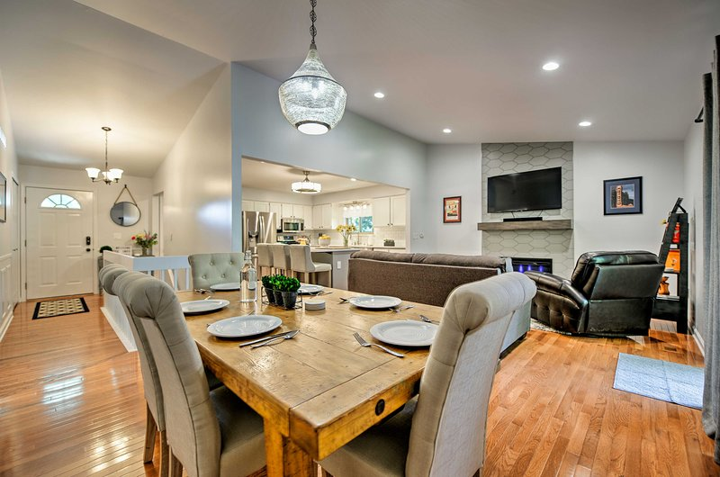 This 3-bed, 2-bath home features all the amenities for a comfortable stay.