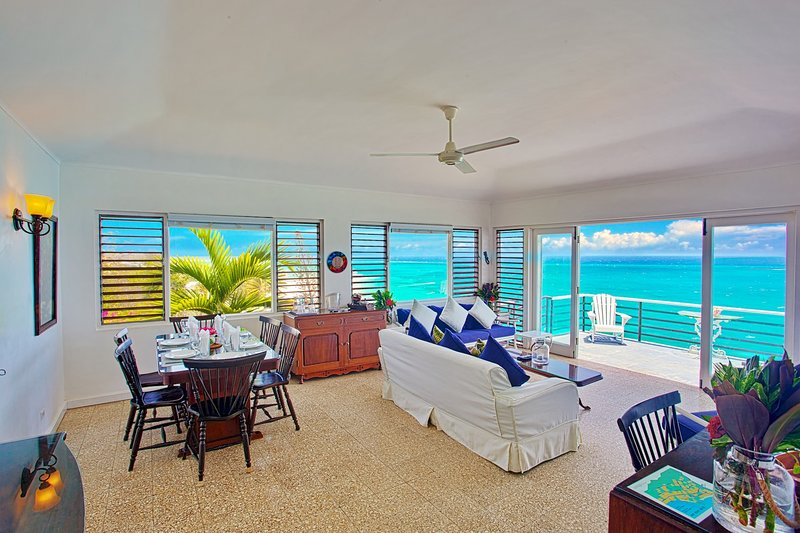 Spectaclular Seafront View, Pool, Cook/Housekeeping, 2 Beds, 1 Bdrm, (WVV184), alquiler de vacaciones en Silver Sands