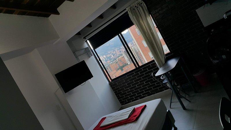 Loft Excelente Belen Molinos Metroplus C Comercial, vacation rental in San Antonio de Pereira