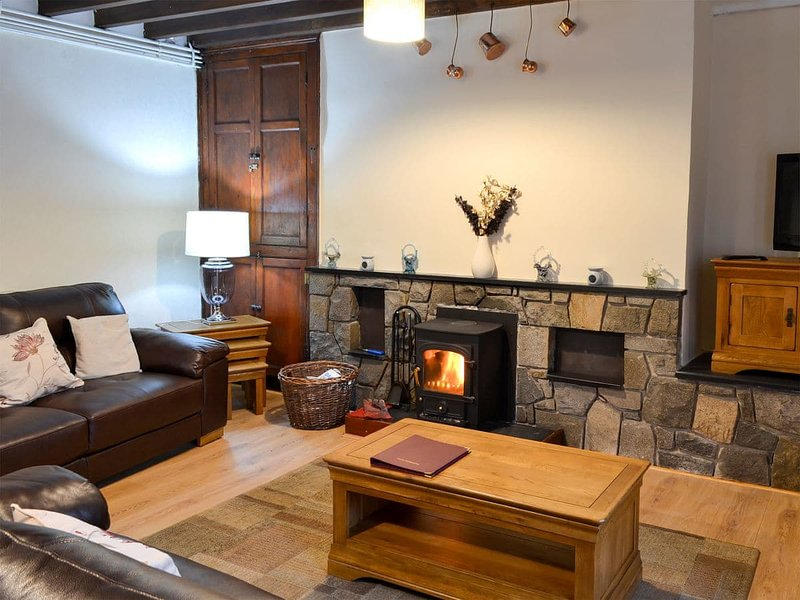 Bwthyn Ty Mawr, vacation rental in Groeslon