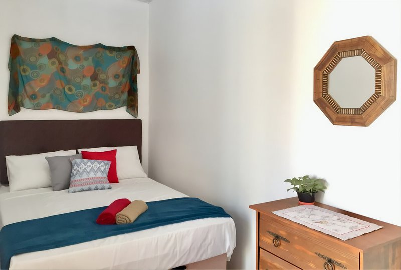 1- Room with private kitchen and bathroom, vacation rental in Puerto Iguazu