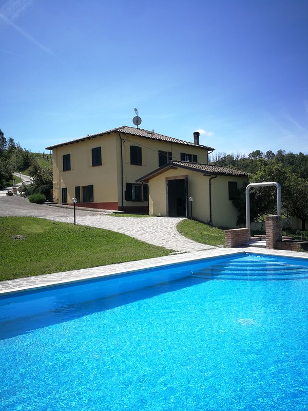 Swimming pool with stunning views of the Langhe
