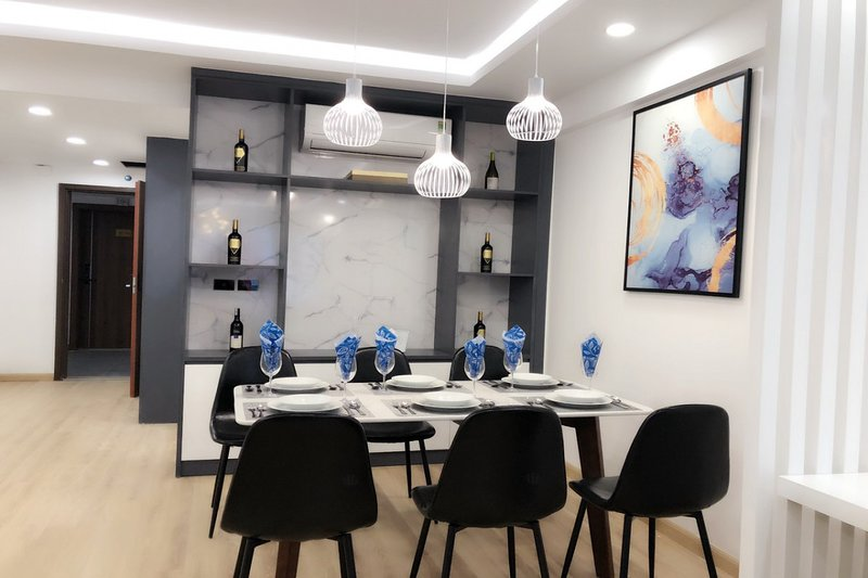 Asahi Luxstay♛Imperial Plaza♛3Br Apartment, holiday rental in Hanoi