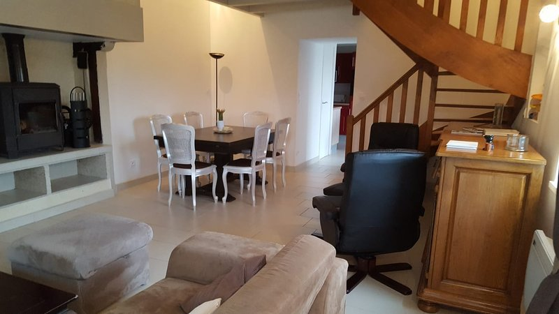 Nice house with terrace & Wifi, holiday rental in Chateauneuf-d'Ille-et-Vilaine