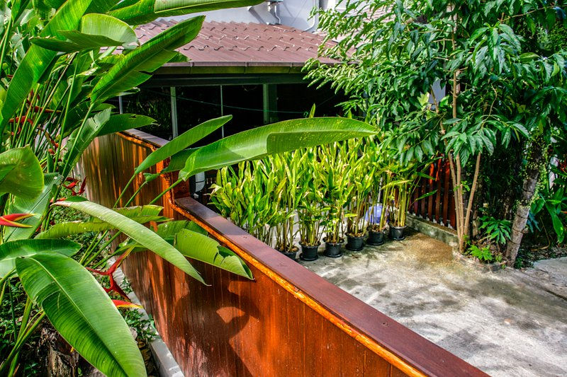 Cozy house at AO Yon beach, holiday rental in Phuket Town