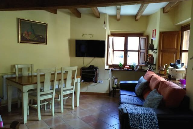 Nice house in Llayo, holiday rental in Tudes