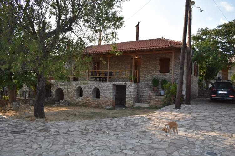 Fotini's Stonehouse, vacation rental in Koroni