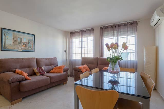 Beautiful apartment in Granada, aluguéis de temporada em Guevejar