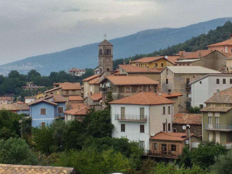 Piccolo,romantico,confortevole in centro Sardegna, casa vacanza a Gergei